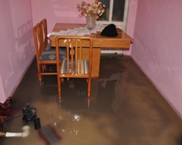 evi su basması